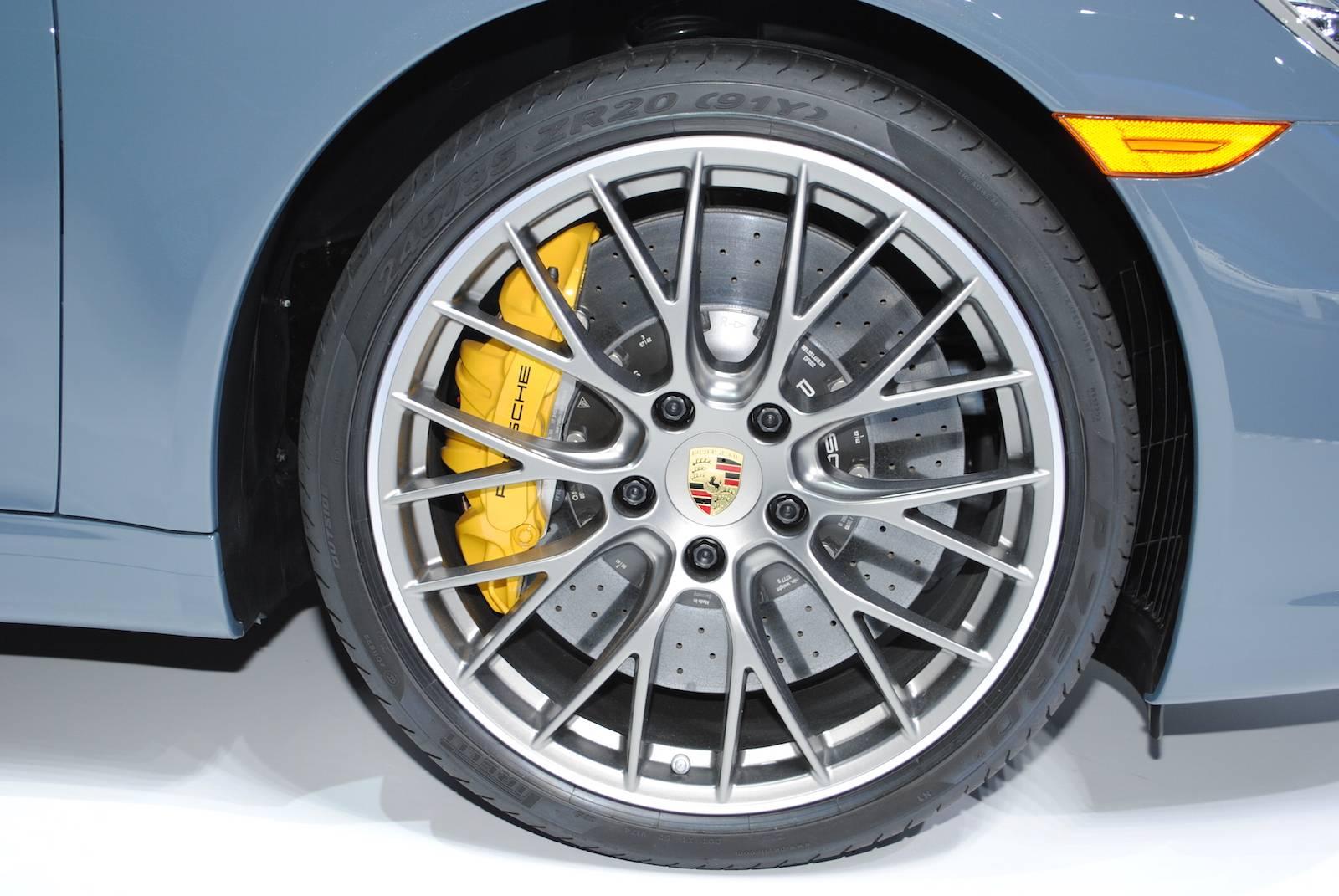 Porsche-911-Carrera-S-Cabrio-10