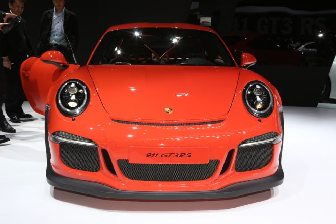manly.ng 2016-porsche-911-gt3-rs-front-end (1)