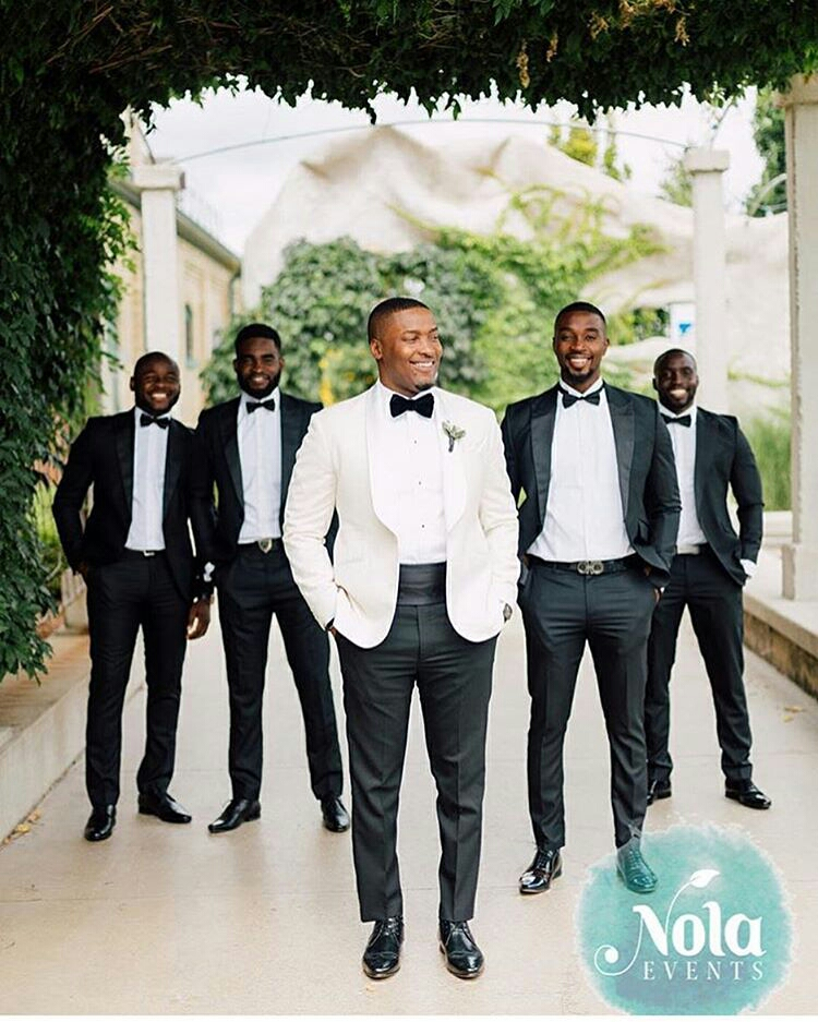 Grooms and Groomsmen Attire: Wedding Suits9