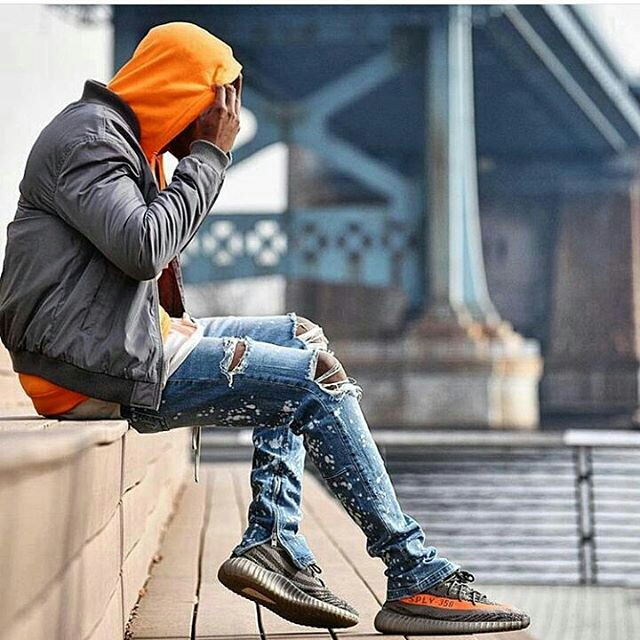 Ways Men Can Wear and Make Distressed/Ripped Jeans6