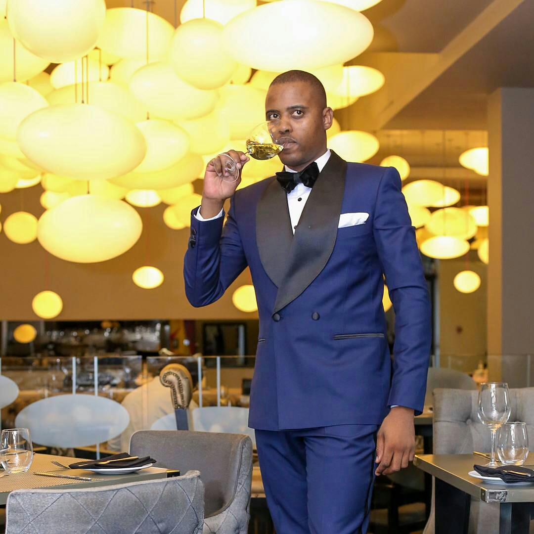 Tuxedo Styles that Suit Dressy Occassions1
